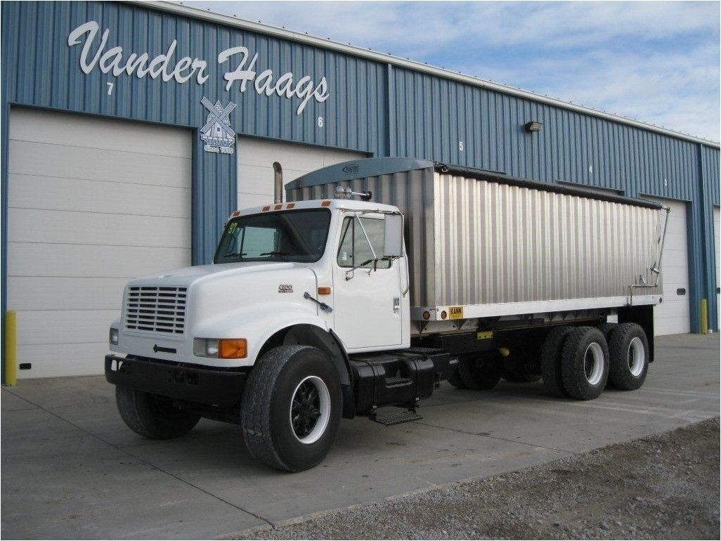 1997 INTERNATIONAL 4900