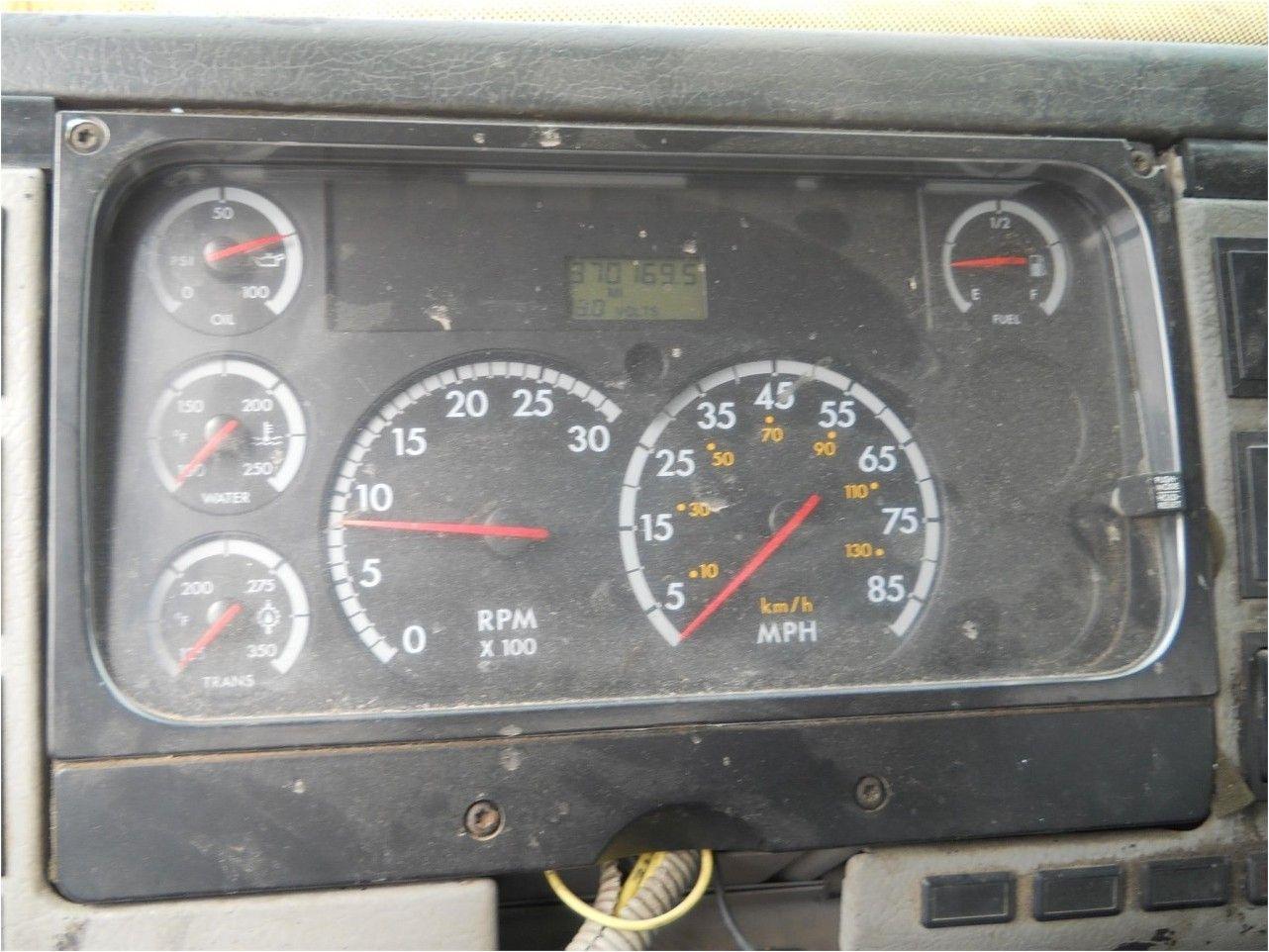2002 FREIGHTLINER FL-50