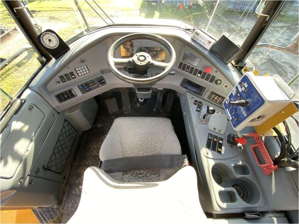2002 VOLVO A40D