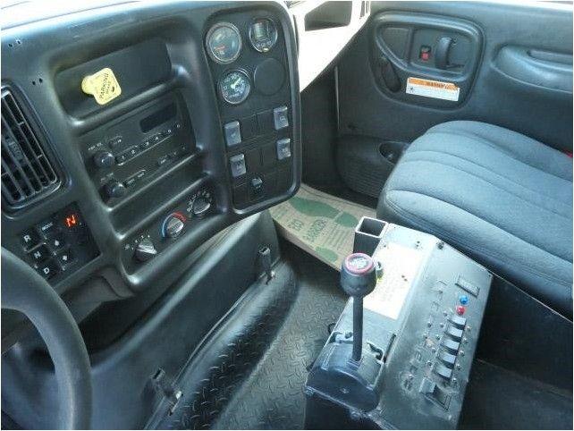 2005 GMC T8500